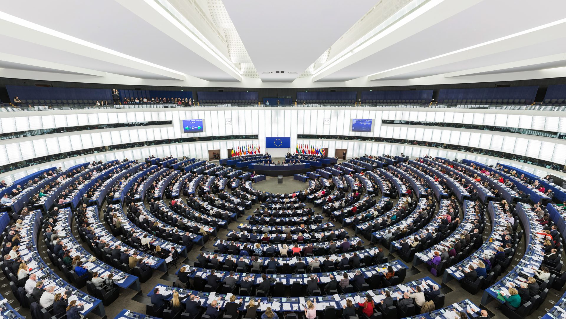 European_Parliament_Strasbourg_Hemicycle_-_Diliff-1-e1546524191701